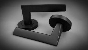 Idun round matte black